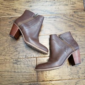 "Sofft ""West"" Brown Heeled Zipped Bootie Size 8"